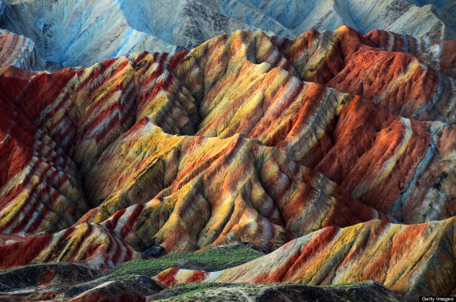 Ουράνιο τόξο βουνά στο Γεωλογικό Πάρκο Danxia Landform στην Κίνα1