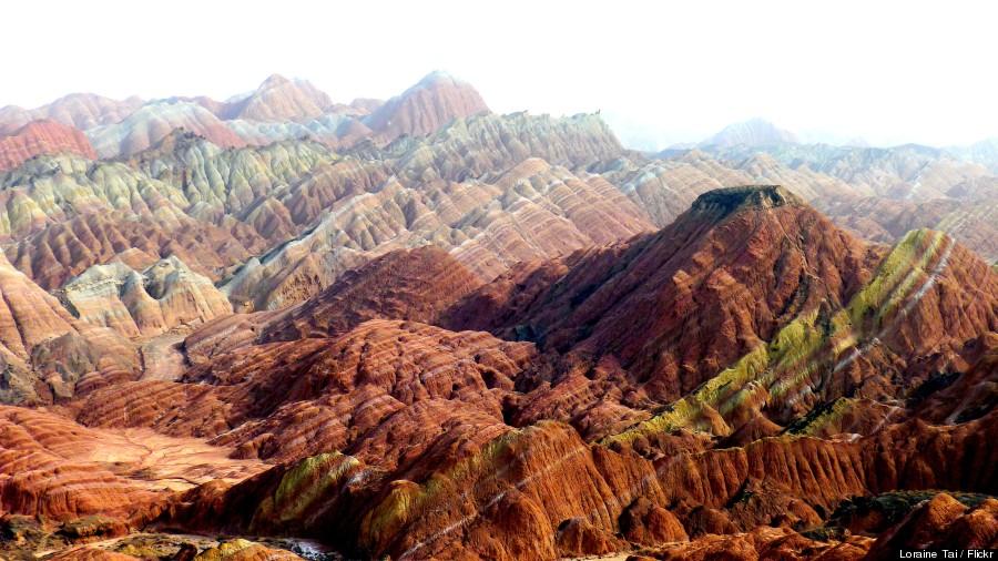 Ουράνιο τόξο βουνά στο Γεωλογικό Πάρκο Danxia Landform στην Κίνα3