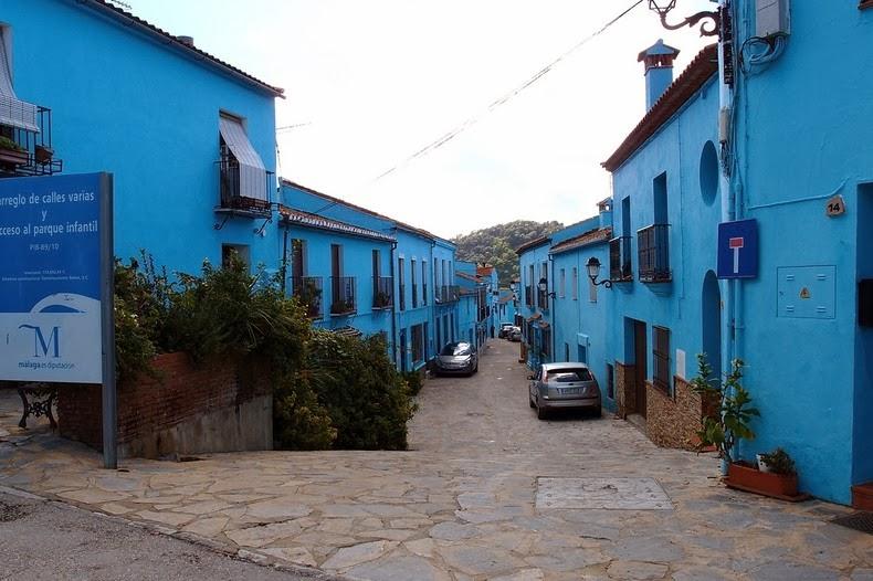 Juzcar, Το Ισπανικό Χωριό που έγινε γαλάζιο1