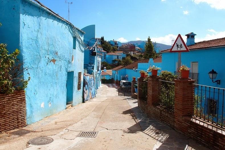 Juzcar, Το Ισπανικό Χωριό που έγινε γαλάζιο3