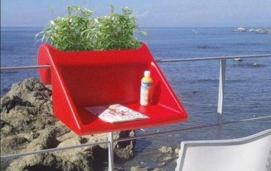 Έξυπνες ιδέες μπαλκονιού με έπιπλα και γλάστρες για εξοικονόμηση χώρου18