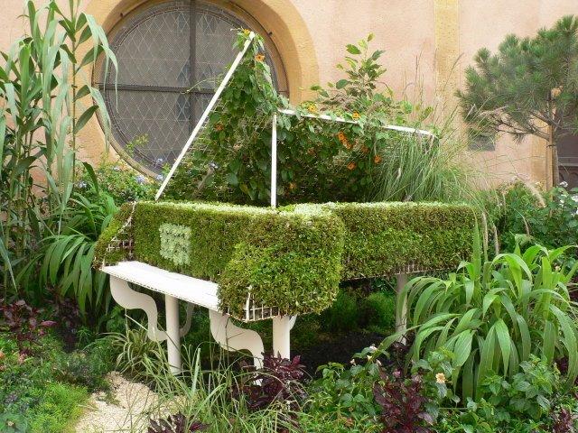 DIY Γλάστρες Κήπου από παλιά υλικά11