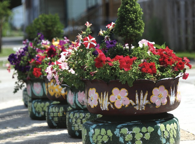 DIY Γλάστρες Κήπου από παλιά υλικά15