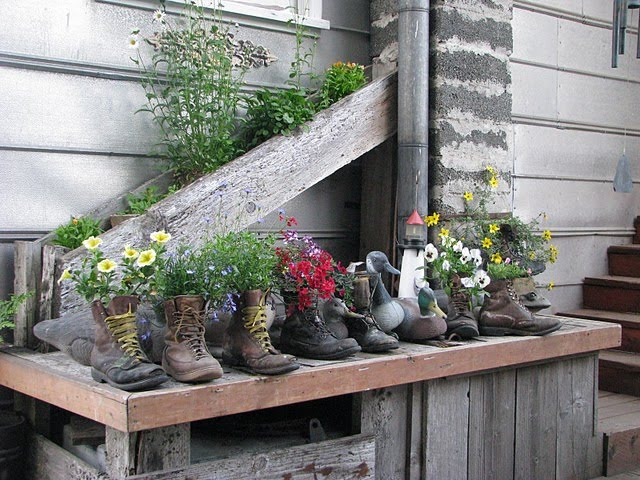 DIY Γλάστρες Κήπου από παλιά υλικά6
