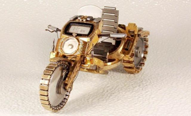 Dmitriy-Khristenko-motocykle-zo-starych-hodiniek-10
