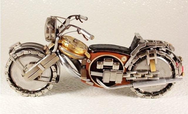 Dmitriy-Khristenko-motocykle-zo-starych-hodiniek-15