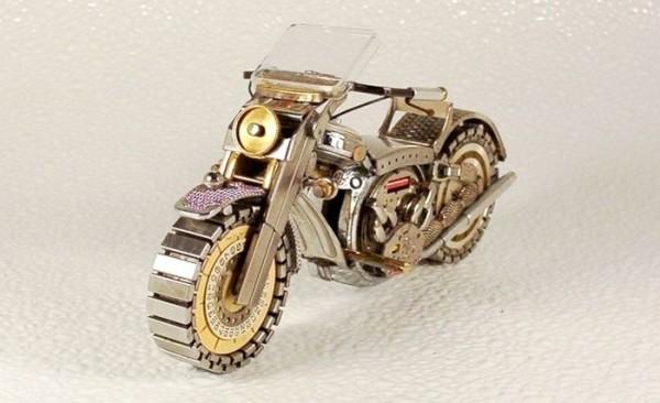 Dmitriy-Khristenko-motocykle-zo-starych-hodiniek-16