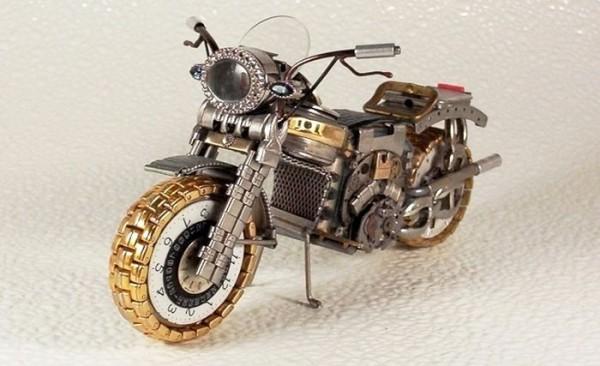Dmitriy-Khristenko-motocykle-zo-starych-hodiniek-18