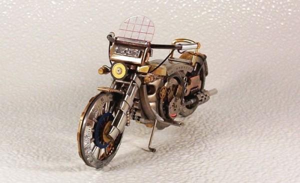 Dmitriy-Khristenko-motocykle-zo-starych-hodiniek-19