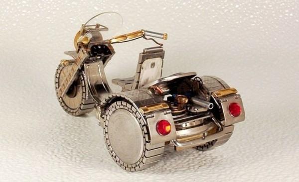 Dmitriy-Khristenko-motocykle-zo-starych-hodiniek-21