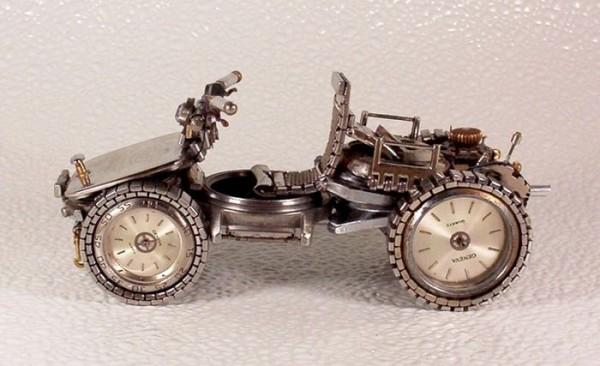 Dmitriy-Khristenko-motocykle-zo-starych-hodiniek-23