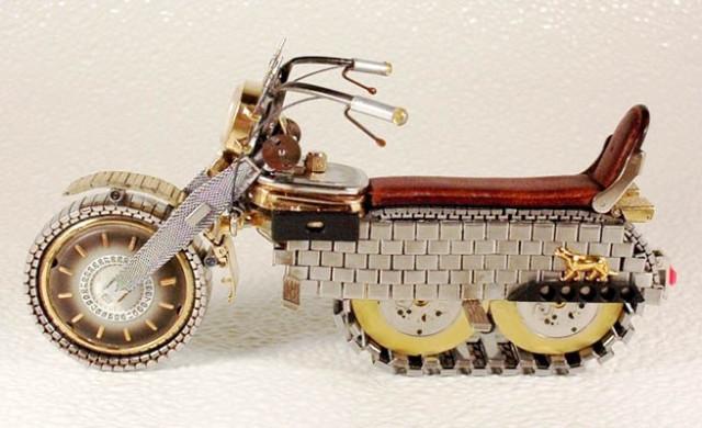 Dmitriy-Khristenko-motocykle-zo-starych-hodiniek-3