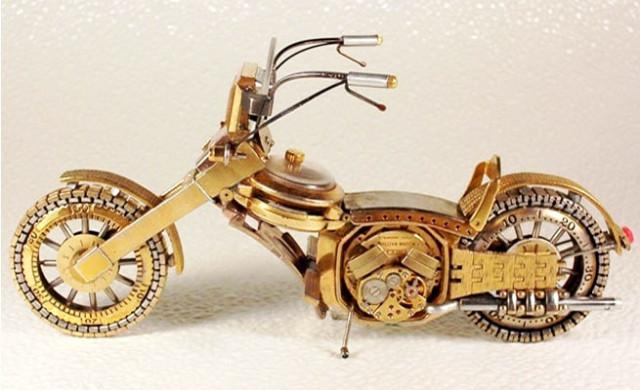 Dmitriy-Khristenko-motocykle-zo-starych-hodiniek-7