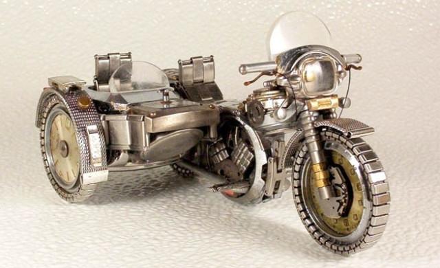 Dmitriy-Khristenko-motocykle-zo-starych-hodiniek-8