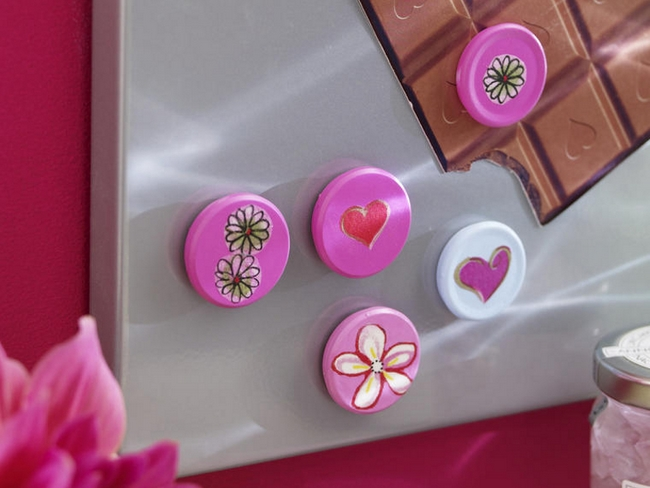 diy-mothers-day-gifts-magnets-pink-decoupage-flowers-hearts