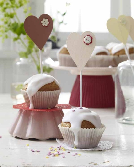 mothers-day-gifts-cupcakes-hearts-toppers