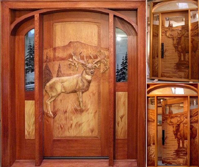 Ξύλινη πόρτα με ελάφι