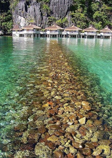 Miniloc-Island-El-Nido-Philippines