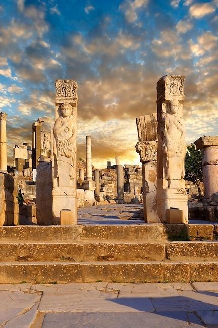 The-Hercules-Gate-Ephesus-Turkey