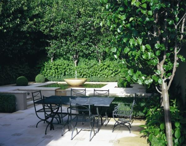 Υπέροχος κήπος με Green Vegetations