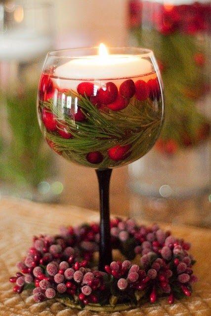 Κερί και φύλλα μέσα σε ποτήρι