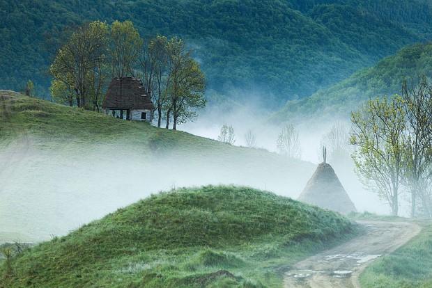 σπίτια στη μέση της φύσης13