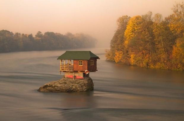 σπίτια στη μέση της φύσης17