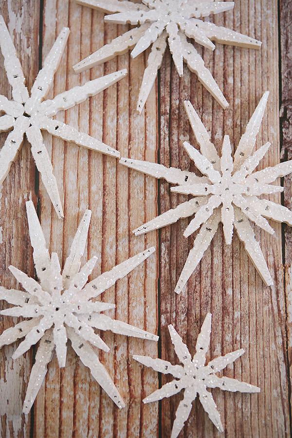 Χιονόμπαλα από ξύλινα μανταλάκια