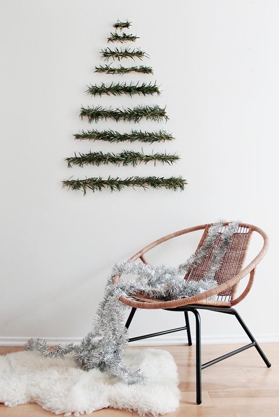 Μοντέρνο κρεμαστο χριστουγεννιάτικο δέντρο