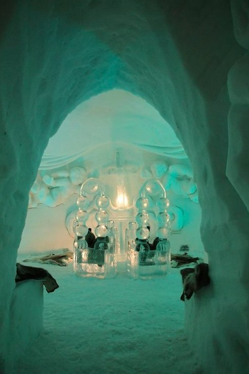 Alpeniglu Igloo Village in Thale2
