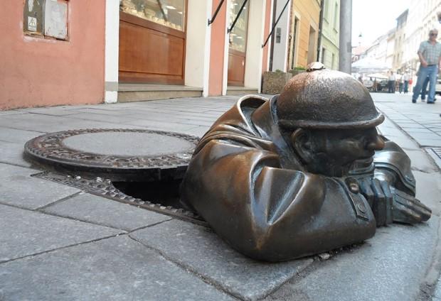 Cumil, Bratislava, Slovensko