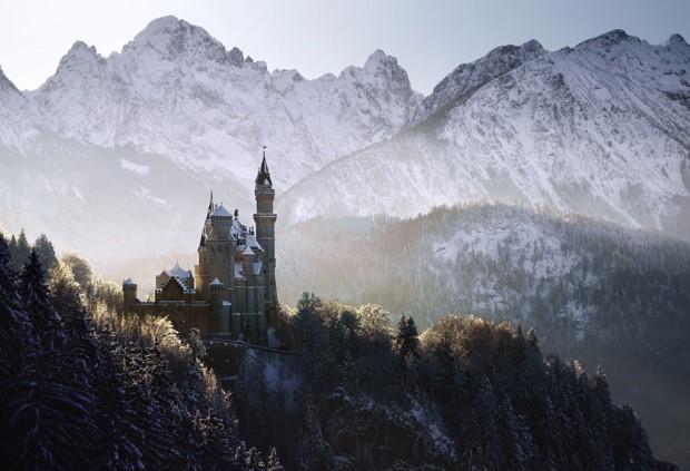 Κάστρο με θέα τα βουνά