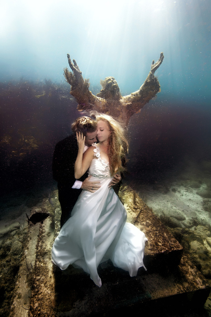 Underwater-Wedding-Photographs-1
