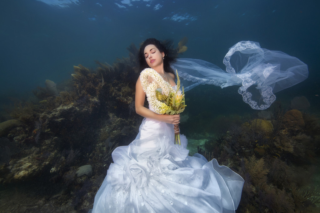 Underwater-Wedding-Photographs