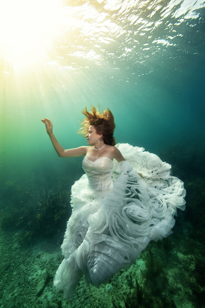 Underwater-Wedding-Photographs-12