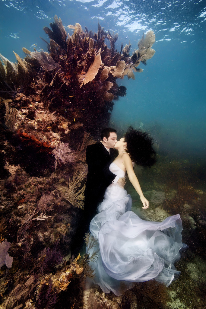 Underwater-Wedding-Photographs-14