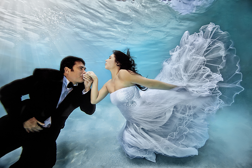 Underwater-Wedding-Photographs-3