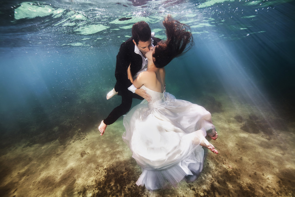 Underwater-Wedding-Photographs-6