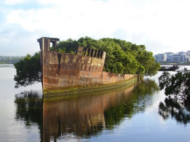 Στο παλιό ναυάγιο