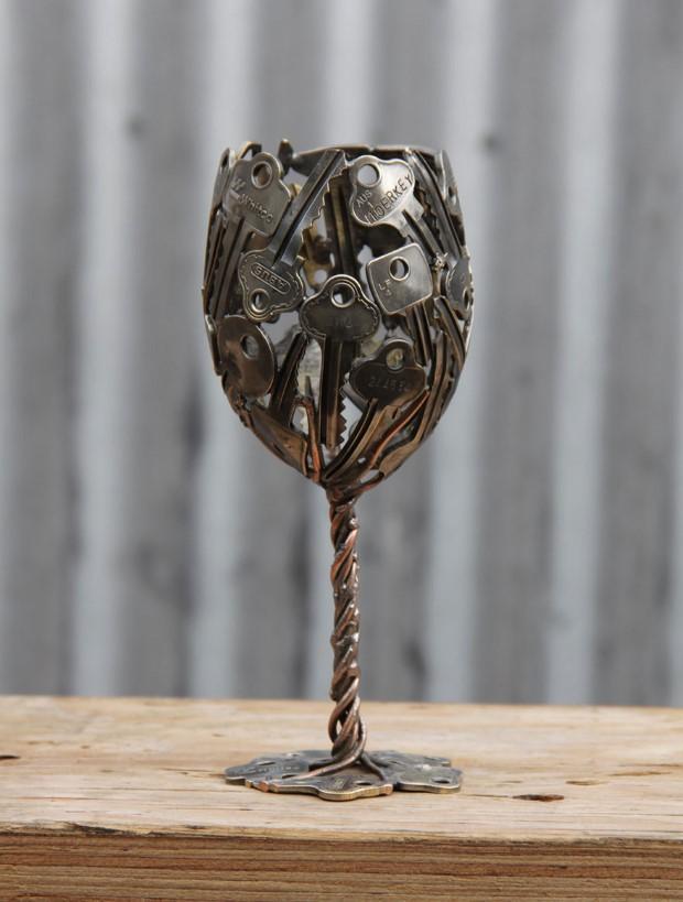 Μεταλικό ποτήρι