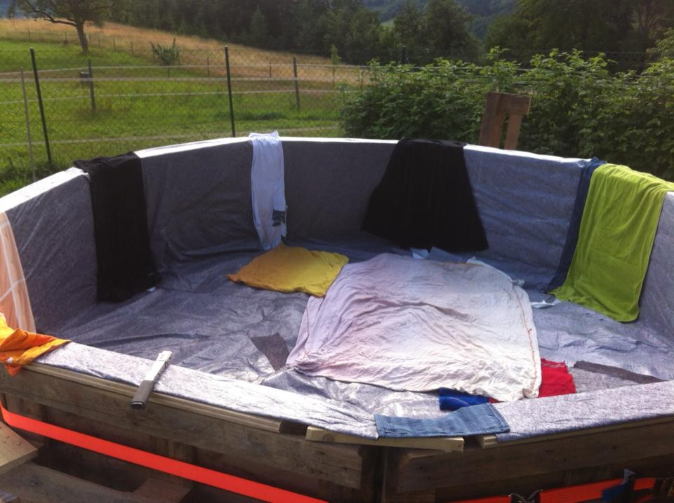 πισίνα φτιαγμένη από 10 παλέτες4