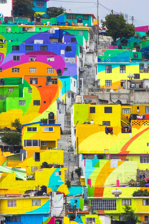 Μεξικάνικη γειτονιά μετατρέπετε σε μια τεράστια τοιχογραφία ουράνιου τόξου 3