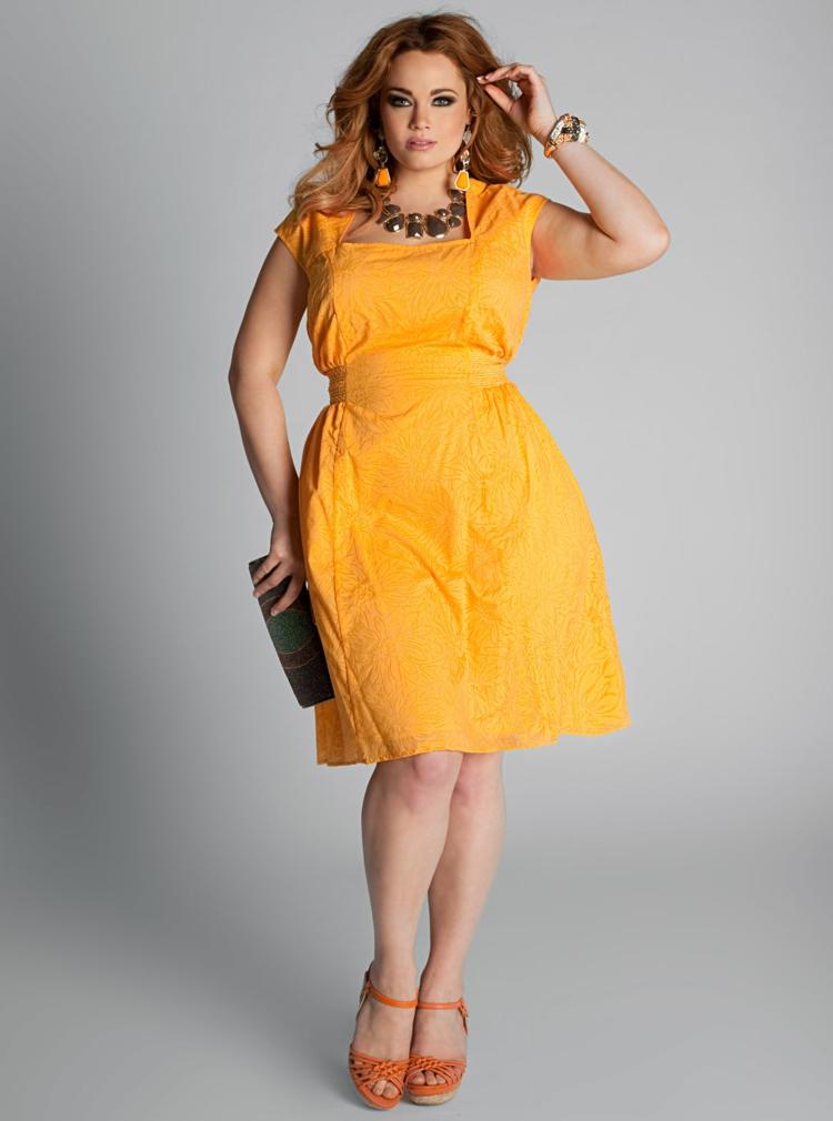 Φορέματα σε μεγάλα μεγέθη - μόδα για γυναίκες με καμπύλες43