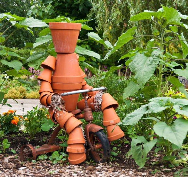 διασκεδαστικές κατασκευές με γλάστρες για τον κήπο11