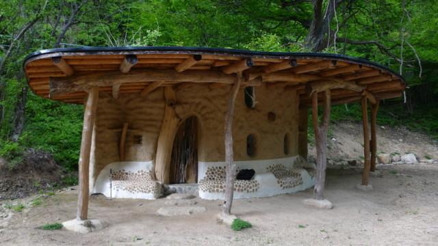 Shantikuthi Earthbag σπιράλ σπίτι10