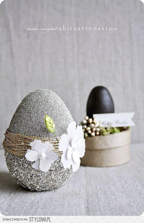 Πασχαλινά αυγά διακοσμημένα με σπάγκο και δαντέλα10