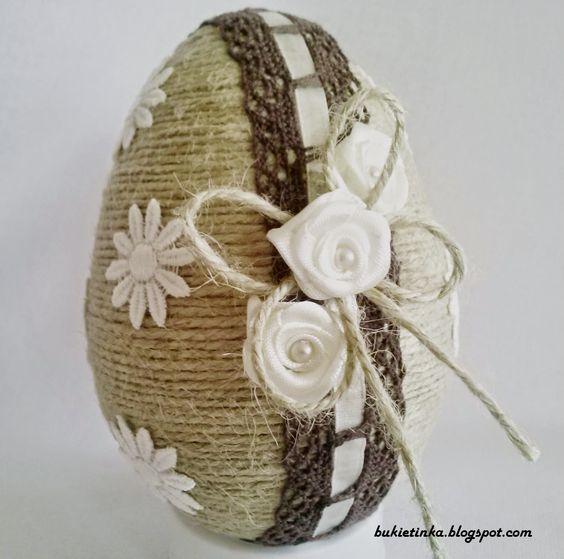 Πασχαλινά αυγά διακοσμημένα με σπάγκο και δαντέλα22