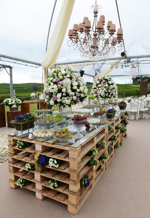 DIY ρουστίκ decor γάμου από παλέτες1