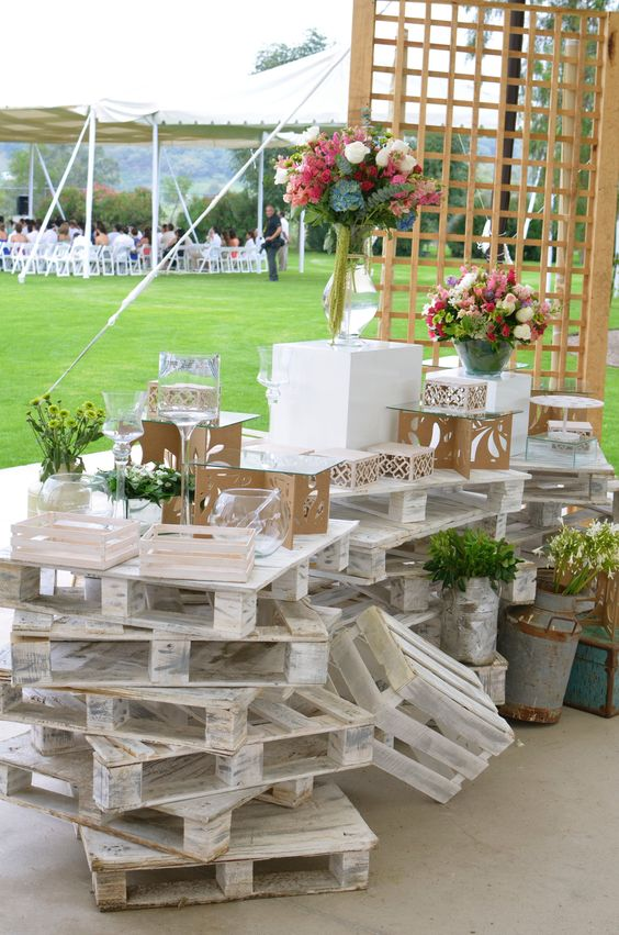 DIY ρουστίκ decor γάμου από παλέτες11