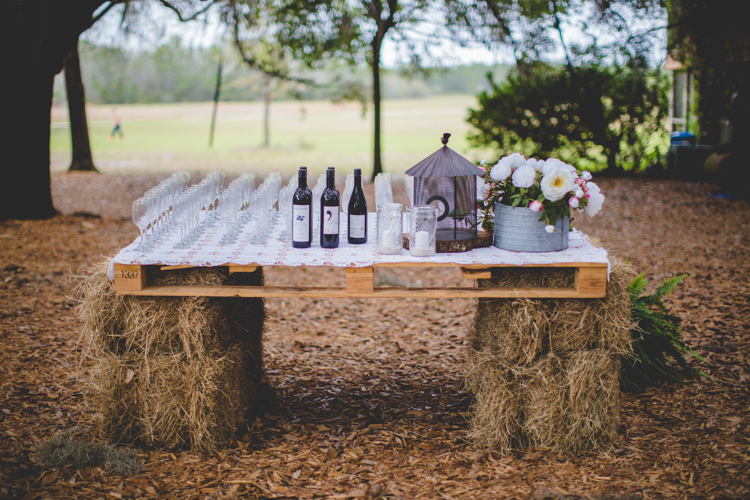 DIY ρουστίκ decor γάμου από παλέτες12